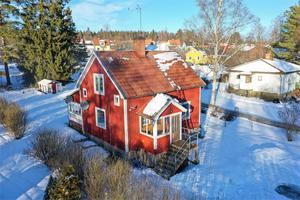 Denna villa i Vikmanshyttan, Hedemora kommun, klickades 4 814 gånger under förra veckan, vilket gav en åttondeplats på Dalarnas egen Klicktoppen. Foto: Linslusen