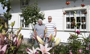 Helena Nilsson och Staffan Eriksson från Sandviken njöt av blomsterprakten.