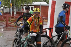 Ann-Kristin Olsson i mål på 4.50 i Cykelvasan.