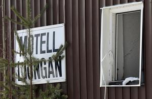 Omkring en miljon kronor väntas rivningen av motellet kosta.