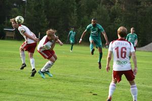 Här skickar Anton Larsson in 2–1 för Gottne med en mycket elegant yttersida.