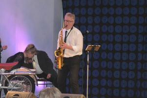 Pär-Åke Stockberg på saxofon.