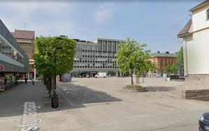 Så här ser det ut på platsen idag. Gamla Rådhuset skymtar till höger i bild. Bild: Google maps