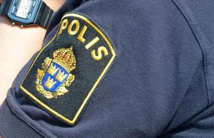 Polisen gjorde en husrannsakan tidigt på lördagsmorgonen hemma hos en av de inblandade i skottdramat.
