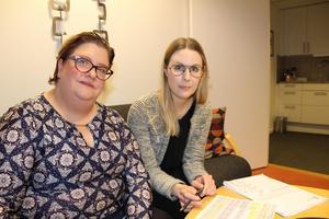 """När hedersärendena blev många och allvarliga bestämde sig Centrum mot våld för att kartlägga: under ett år hotades 24 kvinnor i Västerås med hedersmord. """"Många har blivit mycket bättre på att se hedersproblematiken, men jag tror inte vi har minskat den, säger Johanna Sethi, här med Annica Westanmyhr. Foto: Ann-Christine Kihl"""