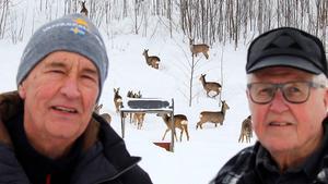 Jan Dahlin och Urban Nylander  i Bergeforsen är glada över hjälpen från jägarna.