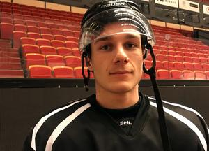 Oscar Birgersson tränade även med Brynäs A-lag på måndagen.