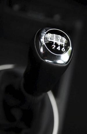 Sex växlar är standard till dieselmotorn.