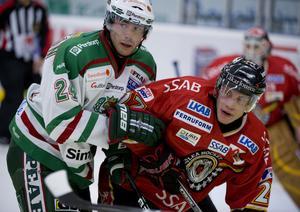 Jeremy Colliton, till vänster, under en match mot Luleå i oktober 2009. Bild: Daniel Nilsson/Bildbyrån.