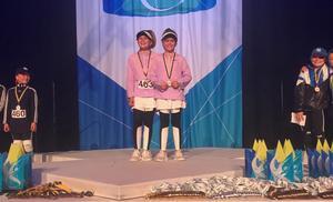Meya Antonsson och Ester Lähdet segrade i barnklassen i hiphop duo.