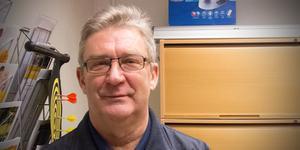 Ola Wahlsten har lång journalistisk erfarenhet och har också suttit i fullmäktige för Socialdemokraterna. Nu driver han Facebooksajten Fagersta Nyheter.