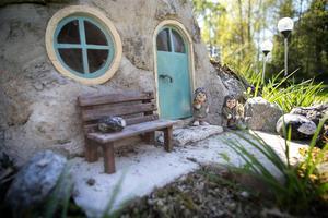 Detaljerna i arbetet med miniatyrhus är det som gör arbetet både spännande och roligt, menar Anders Regnander.