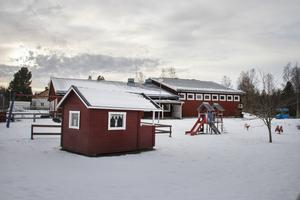 Berörda parter vid Trollstugans förskola är de som får betala priset för de styrande partiernas misslyckande, skriver insändaren.