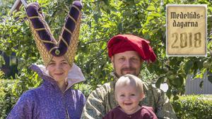 Emelie med sin sambo Lars och dottern Idun.