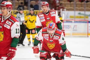 Viktor Amnér och lagkamraterna deppar under hemmamatchen mot Västeårs i september. Foto: Daniel Eriksson/Bildbyrån