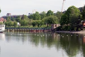 En ny bro som gör det möjligt för småbåtar att komma in i Maren är en av kommunens idéer. Man vill också göra Slussholmen med Lotsudden till en park för såväl vila som aktiviteter.