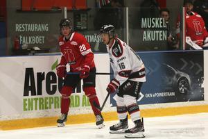 Filip Forsmark fick göra poäng i debuten för Örebro Hockey.