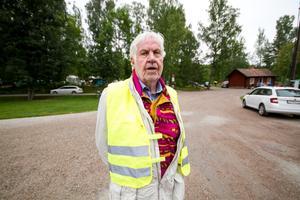 Örjan Ek berättar att Engelsbergsbygden arrangeras av Engelsbergsbygdens intresseförening, Västervåla hembygdsförening och Ängelsbergs konstgille.