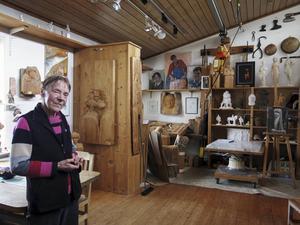 Lena Nilsson-Öst i det konstnärshem hon hoppats skulle bli bevarat.