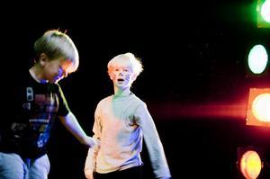 Chansen är stor att deltagarna i barngrupperna kommer att återkomma på Avenys scen flera år framöver när dansgrupperna har sin terminsavslutning.