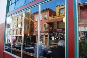 Caffe Trieste, klassiskt hak där beatförfattarna hängde på sin tid. Faktiskt också det ställe där Francis Ford Coppola skrev manuset till filmklassikern