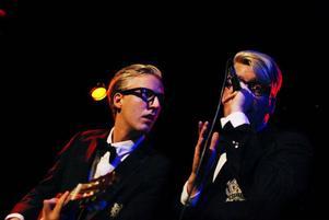Movits! saxofonist Jocke Nilsson fyllde i med saxofonen när ord inte räckte till.  Foto: Joakim Rolandsson