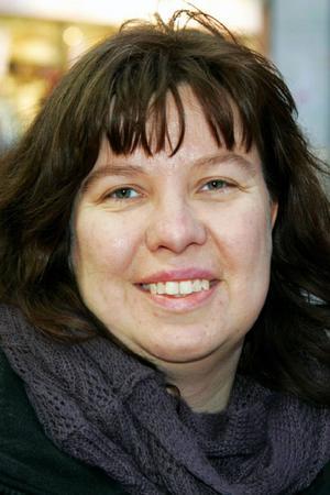 Pernilla Grundström, 35 år, Sundsvall:– Ja, med snön. Jag hoppas den kommer igen med nästa snöfall. Jag har druckit glögg.