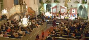 Det var lapp på luckan i Folkärna kyrka när pastoratets barnkörer den 14 oktober bjöd på teater i form av Gubben Pettson och katten Findus.