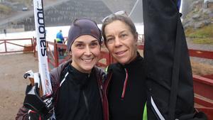 Kompisarna Tonje Saeveraas Dannert och Cecilia Wikander kom till Falun för att gå en längdskidåkningskurs.