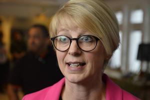 Elisabeth Svantesson, arbetsmarknadsminister (M)    Kommentar: Moderaternas nya arbetsmarknadsminister var saklig och duktig i debatten. Pedagogisk och tydlig trots bakgrund som forskare i nationalekonomi.    Betyg: 3 av 5