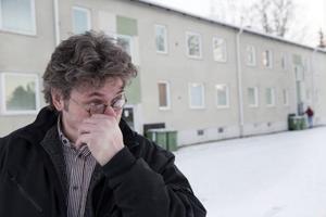 Pål Jansson, illustratör och aktiv i RSFF, rördes till tårar av flyktingarnas fina ord när han besökte Vangenhuset. – Jag kan inte undvika att se möjligheter. Under tsunamin ville jag erbjuda boende till offer. Det blev inte så men det ringde nån ambassadperson och tackade.