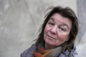 Elisabeth Rynell låter Moll vandra genom en övergiven landsbygd i sin nya roman.