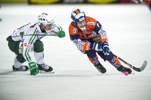 Klockan 21.25 på tisdag kväll, efter Bollnäs–Västerås SK, sänder Bandypuls livestudio från Sävstaås. Då ska kvartsfinalerna spikas.