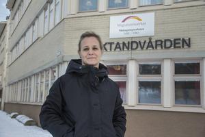 Efter högt tryck på migrationsverket i Hälsingland behövde de en till enhetschef. Nu delar Lars Ulander rollen med Jennie Blomstrand.