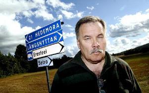 Långshyttan eller Hedemora? För Allan Matsson är valet enkelt - Långshyttan. Han har bildat ett lokalt parti med fokus just på Långshyttan.FOTO: MIKAEL ERIKSSON