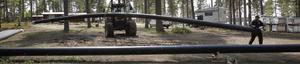 Rören är 18 meter långa och väger ungefär 500 kilo styck.