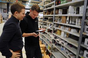 Rickard Lyko och Sebastian Norberg på Vansbrobaserade företaget Lyko. Företaget har nu rekryterat en ny marknadsdirektör i Kalle Eliason, från Tre.