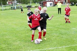 Tuff match mellan IF Team Hudik och Söråkers FF i Hudik Cup.
