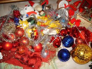 Det blev en enda röra av allsköns glitter o kulor när jag tog ner det efter julen.