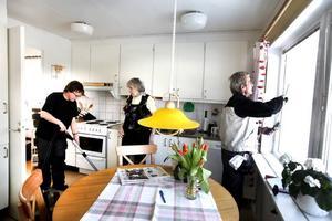 Sedan i somras har man dragit av för 539 miljoner kronor i Sverige. I Gävle kommun har man dragit av för 4,6 miljoner kronor.– Varje dag frågar pensionärer om hur det ska bli med RUT-avdraget. De är oroliga, säger Ewa Westlund.