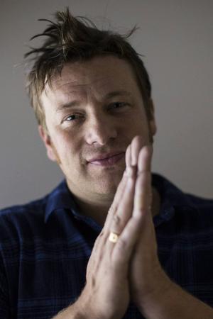 Stjärnkocken Jamie Oliver är en av dem som förespråkar sockerskatt