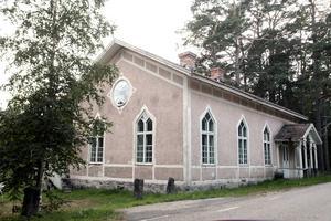 På en av kommunens egna fastigheter i Sörfjärden, finns också ett hus som Jessica Forsström har på sin lista.