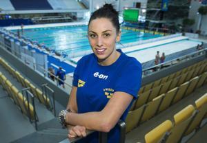 Jennie Johansson från Hedemora vann 50 och 100 meter bröst i Dubai och i Doha förra veckan. I helgen simmar hon på hemmaplan och ställs då bland annat mot tävlingens enda mästare från London-OS, litauiska 15-åringen Ruta Meilutyte.