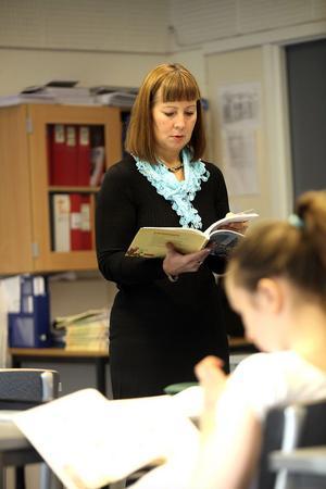 Lena Eriksson har arbetat som lärare i 17 år och undervisar i svenska och spanska.
