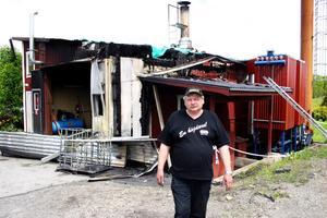 Misstänkt anlagd brand i Lekebergs smådjurskremering AB natten mellan tisdag och onsdag.– Brandkåren och polisen var mycket fundersamma för det tar sig inte på det här sättet annars, säger ägaren Lars-Åke Nilsson.