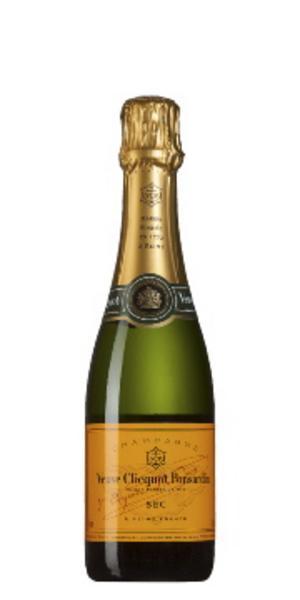 """Veuve Clicquot """"Gula Änkan""""(399 kronor):""""Också en fantastisk champagne som sätter tonen för en fin bröllopsfest."""""""