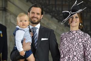 Prinsessan Sofia, prins Carl Philip och prins Alexander har i dag fått en ny familjemedlem.