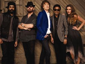 Damian Marley, Dave Stewart, Mick Jagger, A R Rahman och Joss Stone har bildat nya supergruppen Superheavy. Albumet med samma namn släpps den 19 september.