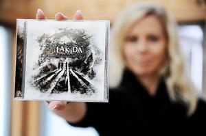 Så här ser det ut; omslaget till Takidas nya platta.
