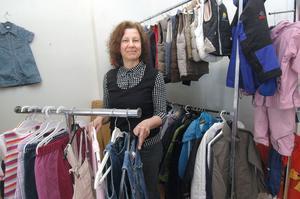 Agneta Nyegård har startat en secondhandbutik  i Alfta där hon säljer barnkläder, skor, leksaker, sängar och barnvagnar och annat barn behöver.
